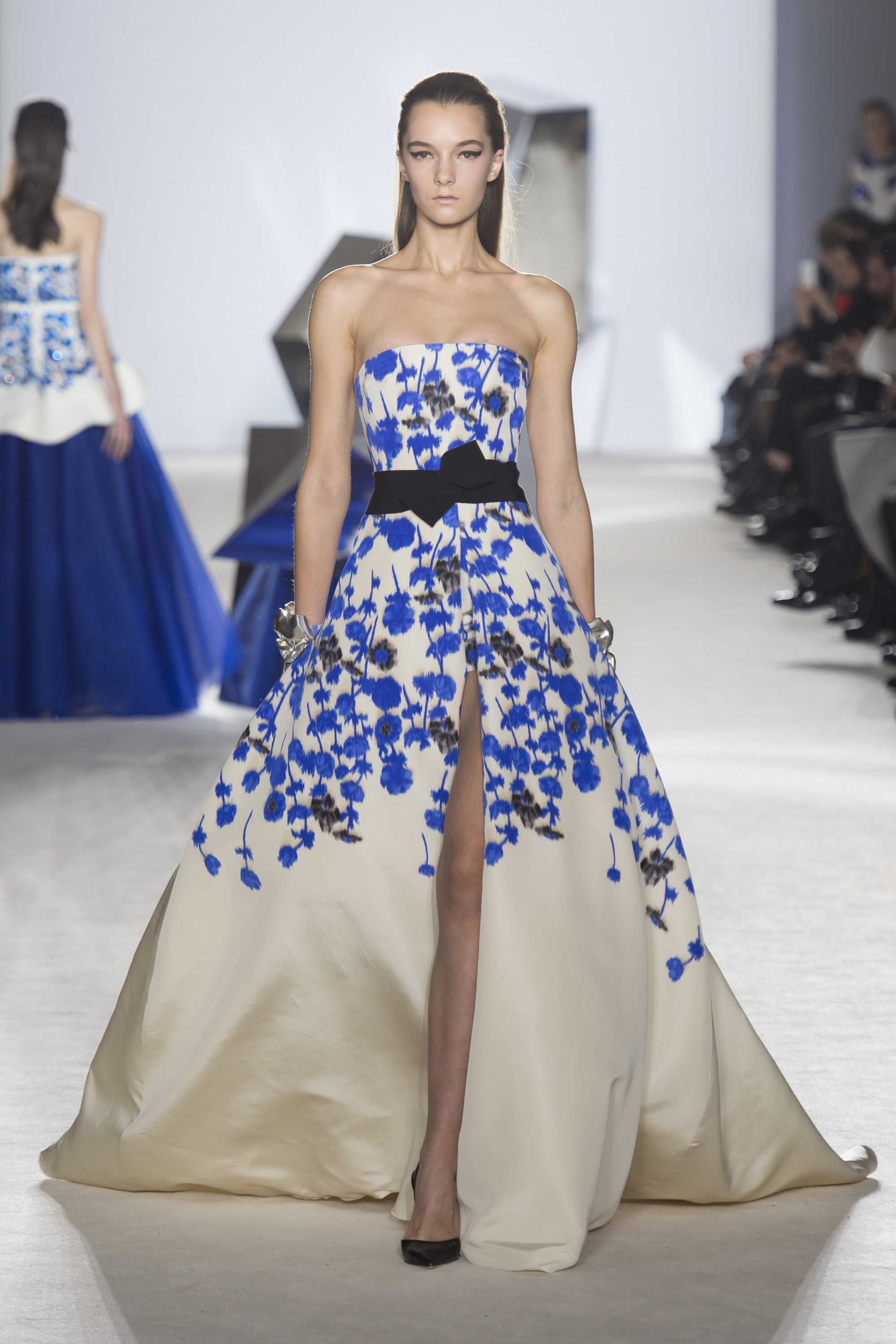The new couturier giambattista valli iconhouse for Couture house dresses
